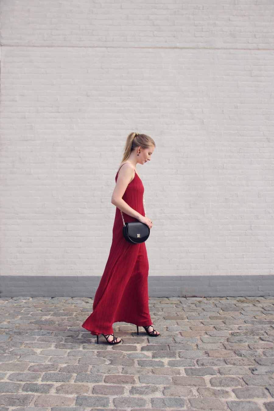 outfit the red maxi dress by mango black shoulder bag by zara with golden details