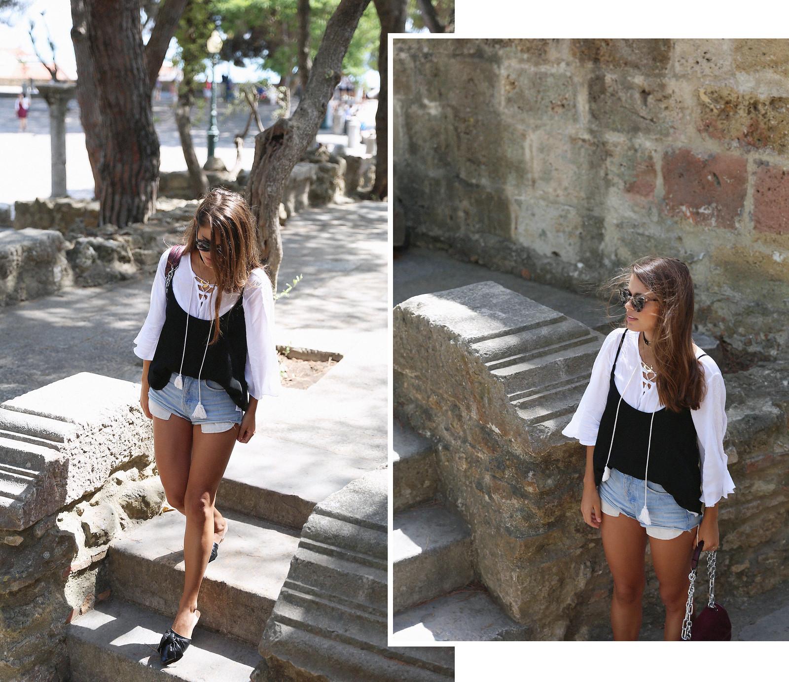 Jessie Chanes Seams for a desire Lisboa Parfois Black Lace Top-1