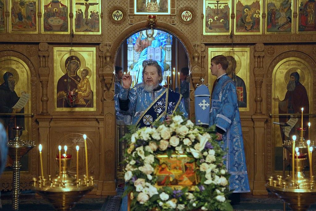 Епископ Савва возглавил Божественную литургию на Московском Валаамском подворье