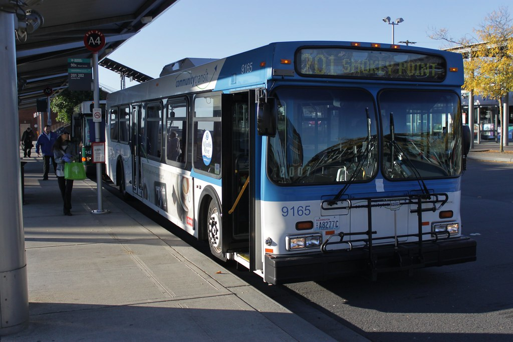 CT 9165 at Everett Station