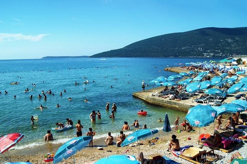 Пляж в районе Савина, Херцег Нови