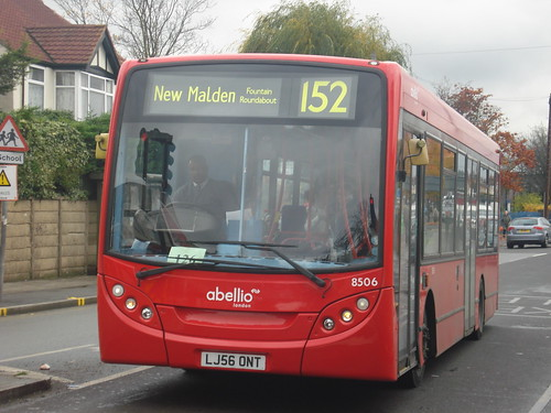 Abellio London 8506 on Route 152, Pollards Hill