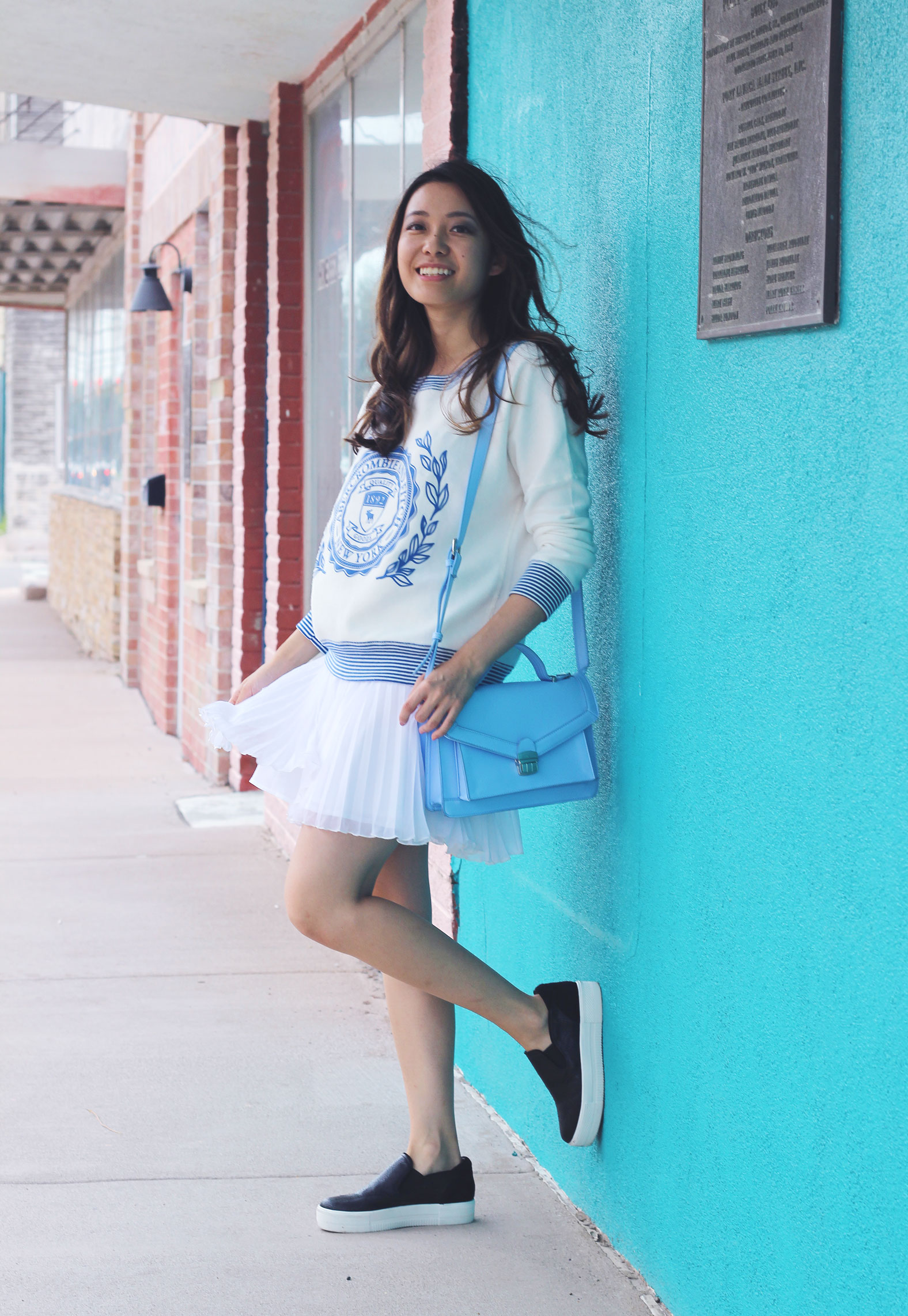White pleated abercrombie skirt and platform loafers