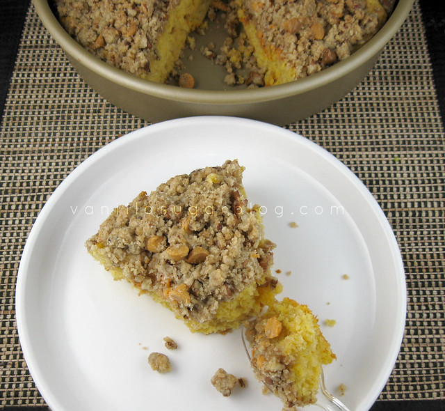 pumpkin-butterscotch crumb cake