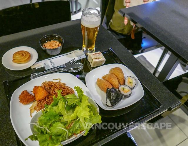 ANA Premium Economy-Haneda Lounge-13