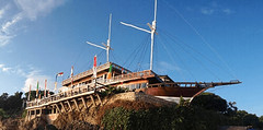 d'perahu restoran-min