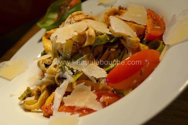 Tagliatelles Tricolores au Pesto aux Olives Tous droits réservés © Ana Luthi 015