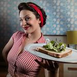 "Perfect Housewives N°1 / ""Bon appétit chéri"""