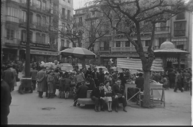 Zocodover en 1959. Fotografía de Santos Yubero © Archivo Regional de la Comunidad de Madrid, fondo fotográfico