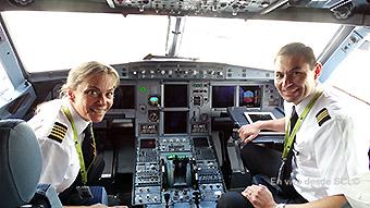 Sky cockpit A319 vuelo inaugural MVD capt. Diana Pugh (RD)