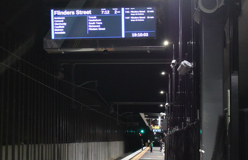 Bentleigh station - new Passenger Information Display on platform
