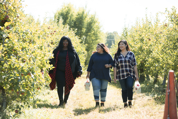 Curvy Girl Chic Plus Size Fashion Blog Vermont Shelburne Farms Orchard Apple Picking