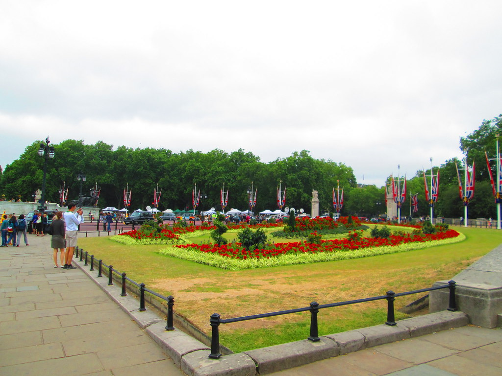 Buckingham Palace, Pall Mall Garden