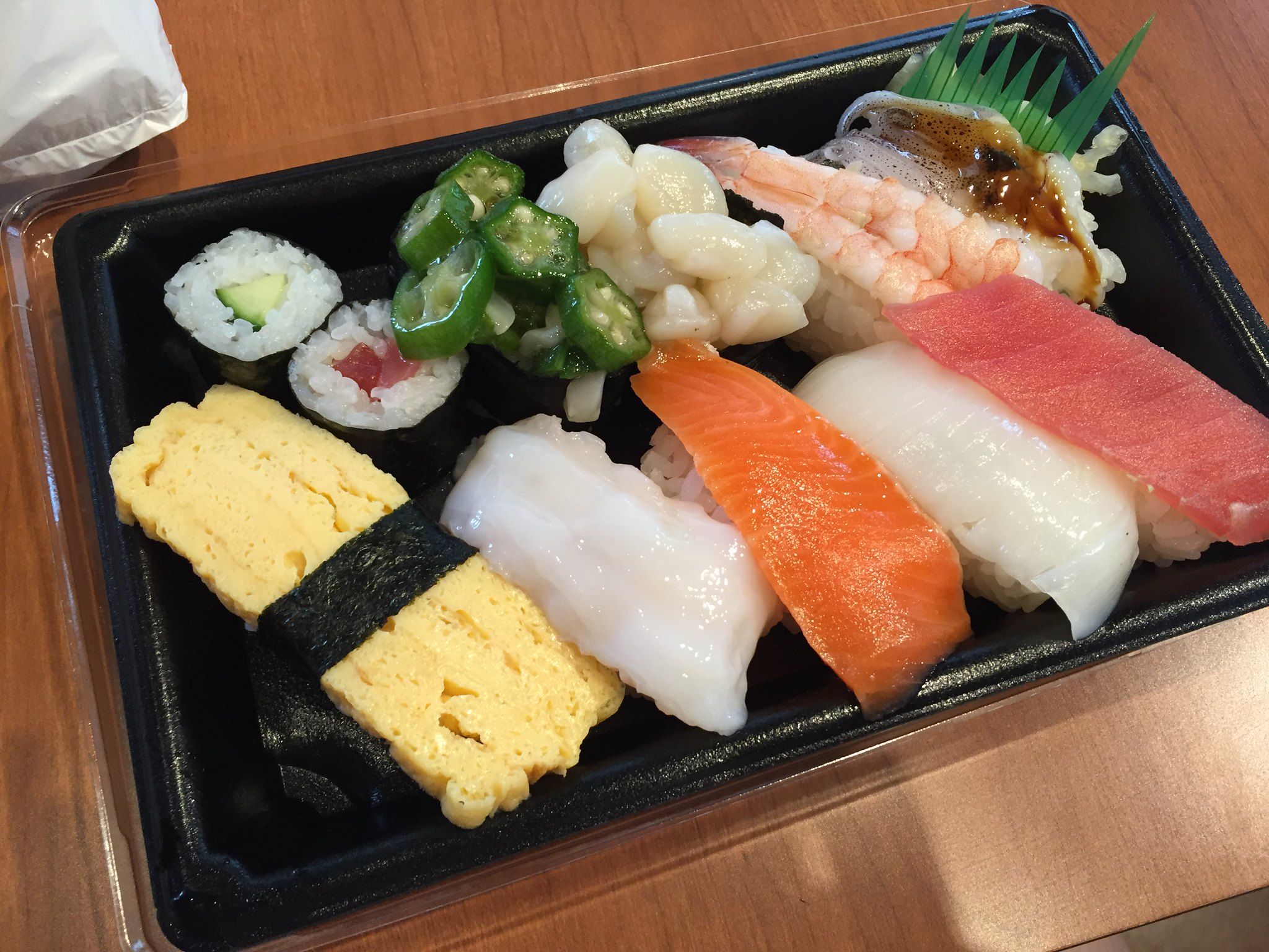 Matlåda - take away sushi i Asakusa Japan