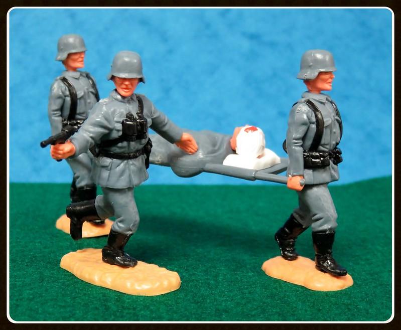Toy soldiers, cowboys, indians, space men etc 28857354093_25716379c8_c