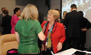 "UN Women Executive Director Michelle Bachelet greets Nobel Peace Laureate Jody Williams at the high-level event ""Preventing Sexual Violence and Gender-based Crimes in Conflict and Securing Justice for Survivors"" 