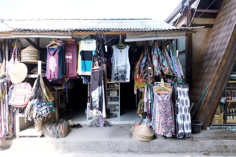 souvenir shops gili
