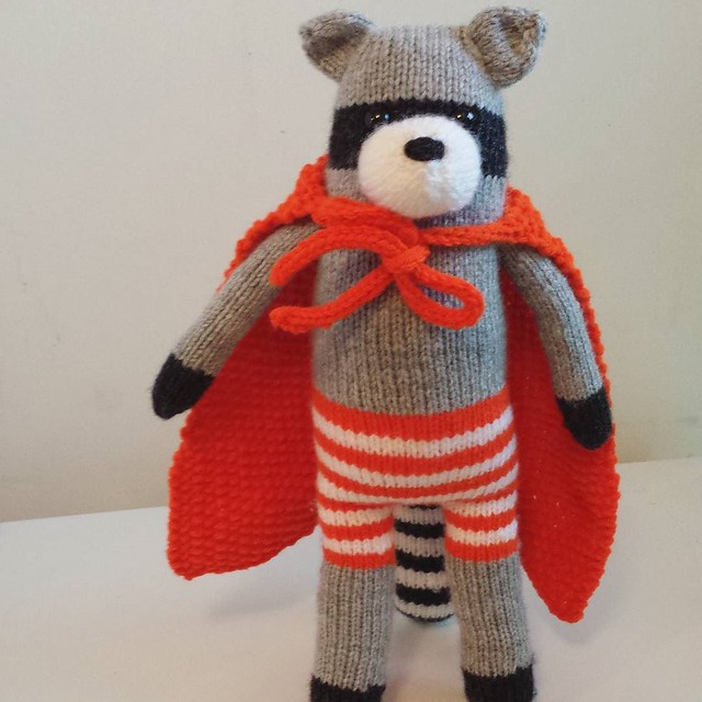 Super Raccoon is ready to fight crime! He's crazy cute 😍 my son has been very patiently waiting on this guy, so he took him the moment I snapped this picture. I love that he still likes what I make! 💓 #knittersofinstagram #toyknitting