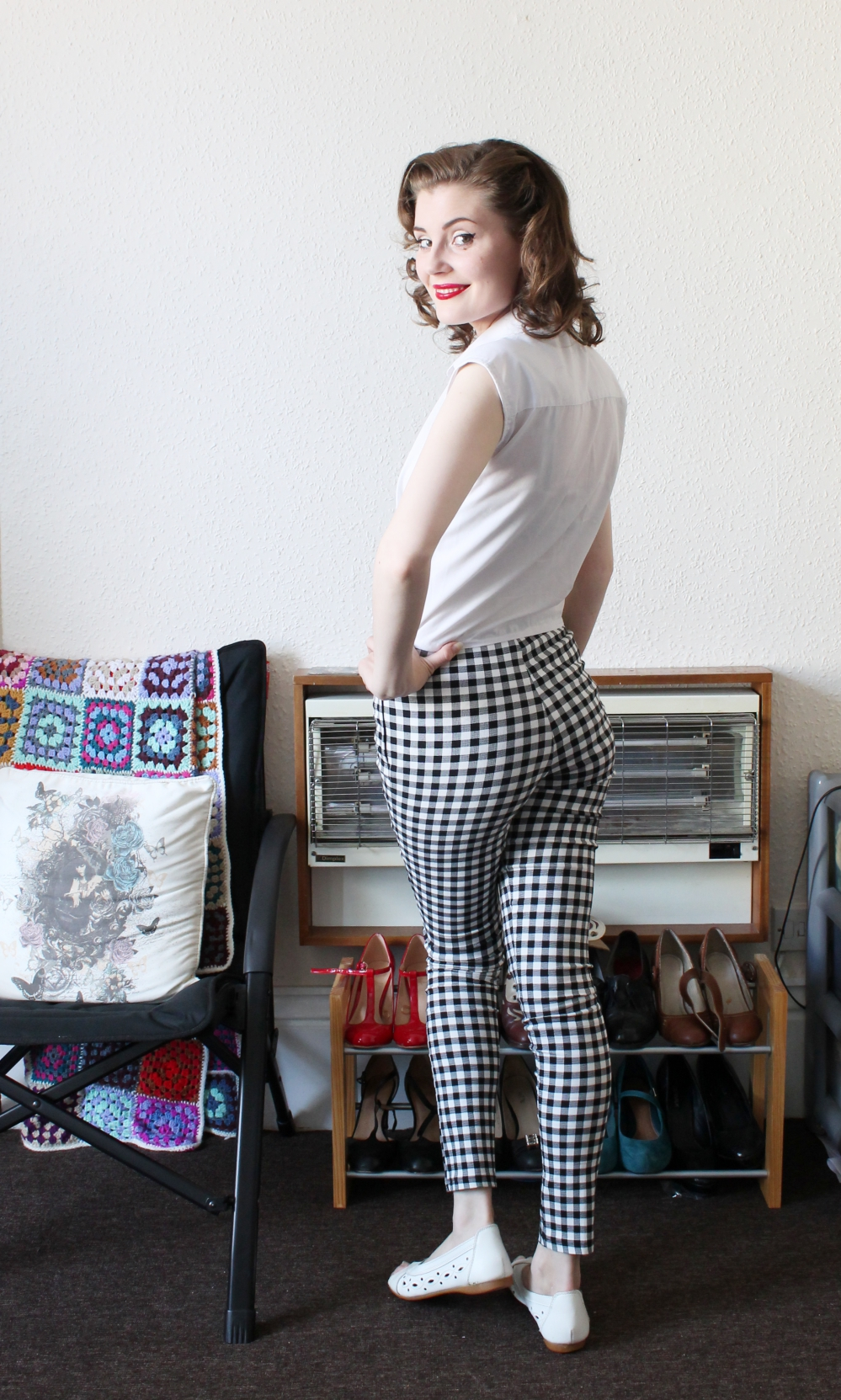 budget friendly retro 1950s cigarette trousers via www.lovebirdsvintage.co.uk