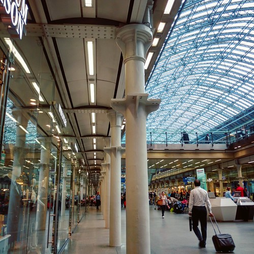 St. Pancras station - Heading to Paris