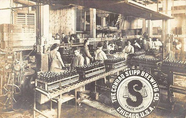 postcard-chicago-conrad-seipp-brewing-company-interior-and-trade-mark-1910s