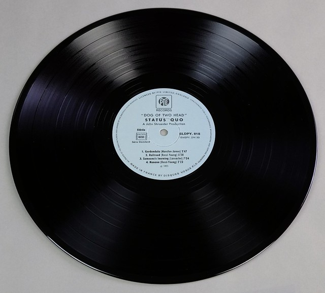 "STATUS QUO Dog of Two Head Gatefold 12"" LP VINYL"