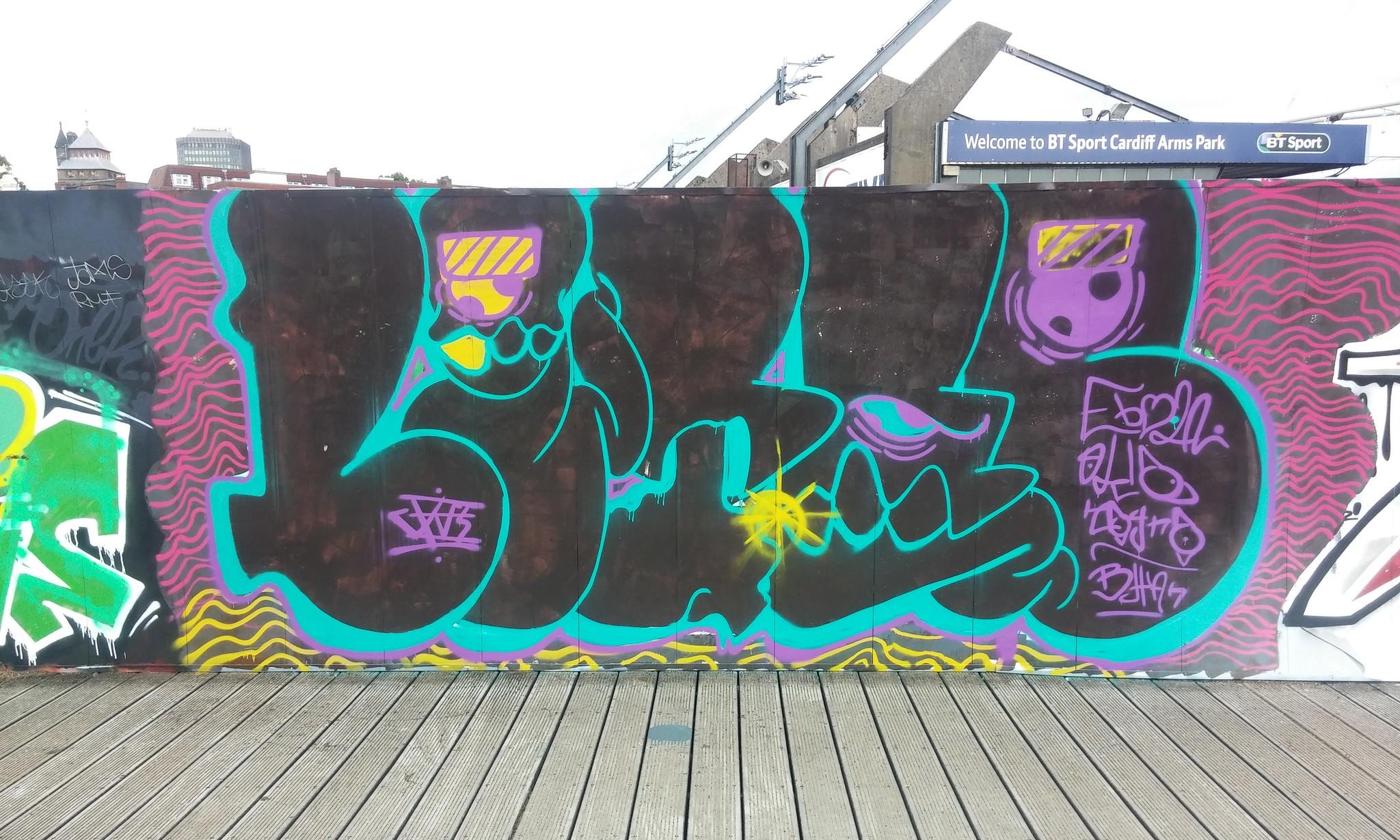 Street art Millennium walkway