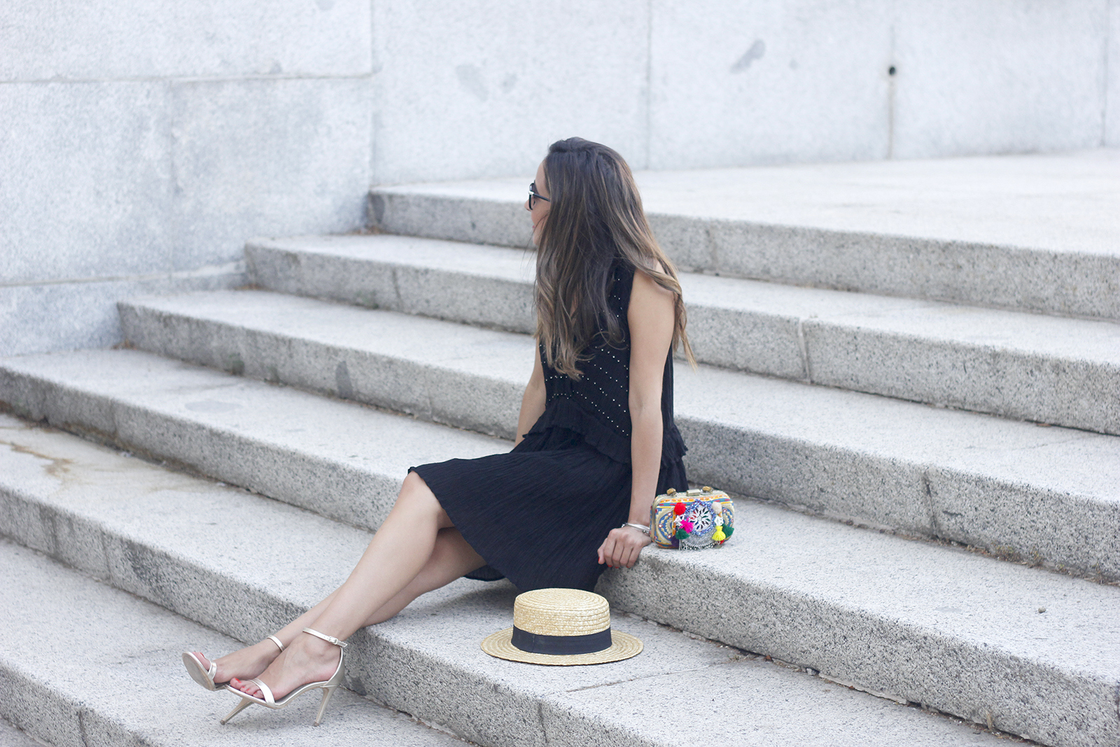 boho black canotier heels summer outfit bag with pom poms summer outfit03