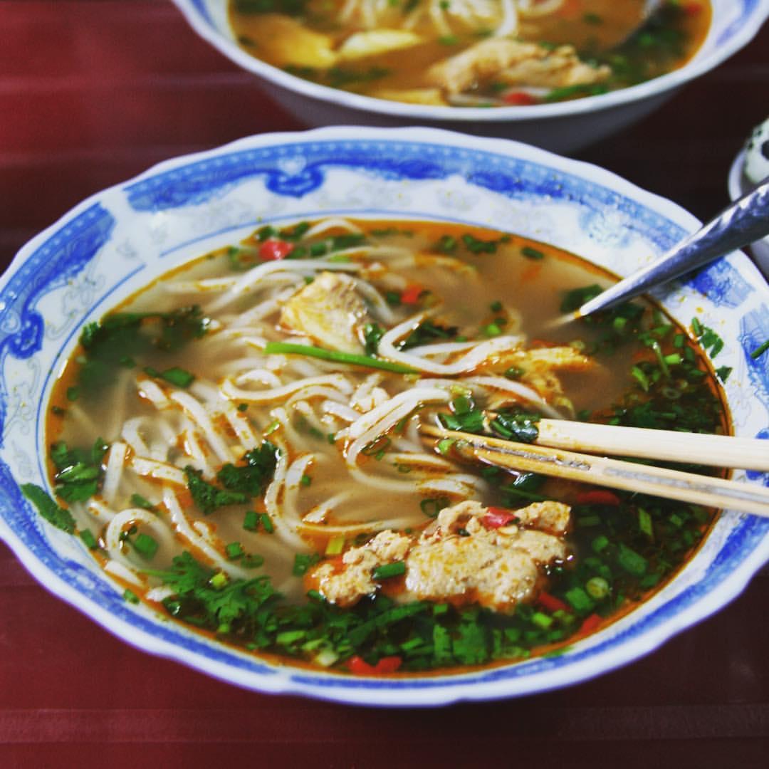 #RTW2012 #40 Noodle soup ❤️ #rtw #rtw365 #aroundtheworld #travelmemories #vietnam #hue #vietnamesefood #passionforfood #noodlesoup #foodtravel #instafood #igtravel #igtravelthursday #foodmemories