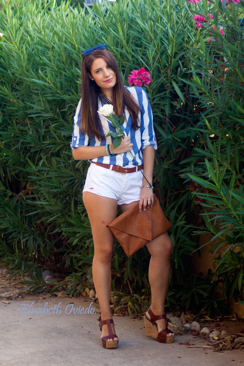 shorts zara clutch pull and bear camisa marinera azul y blanca blusa cuñas marrones marypaz gafas sol tommy hilfiger (4)