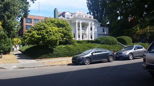 Queen Anne Park White House Seattle