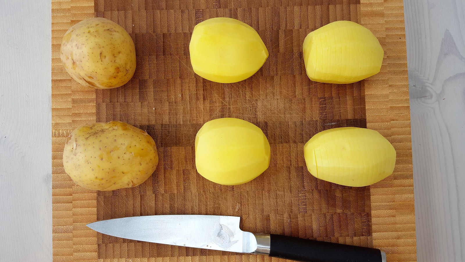 Recipe for Homemade Swedish Hasselback Potatoes
