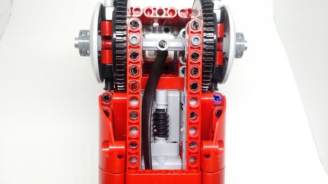 Detalhe da construção do motor responsável pelo movimento