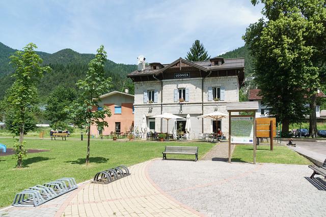 Bahnhofsgebäude Ugovizza