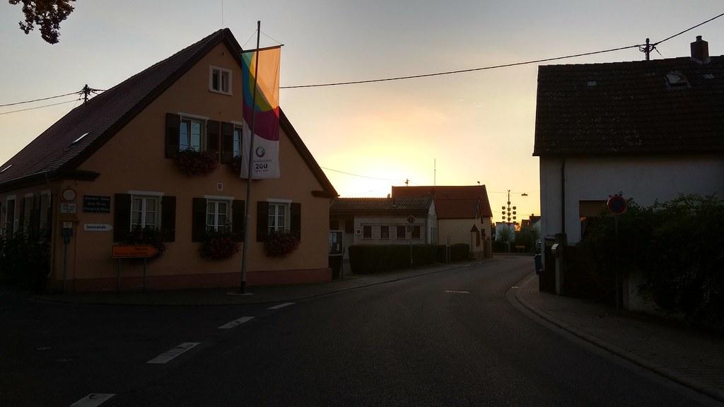 Abend in Hamm am Rhein