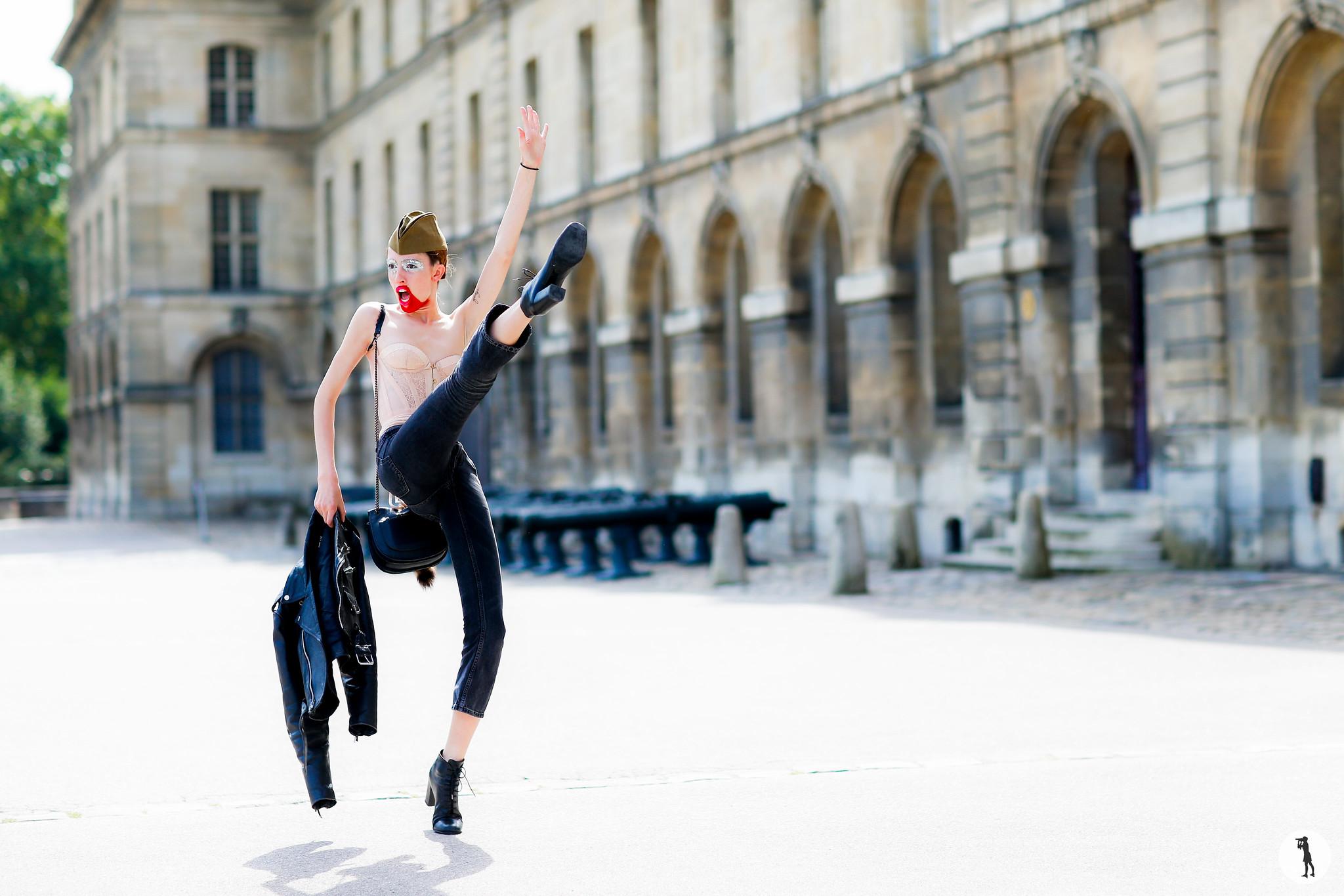 Model Teddy Quinlivan - Paris Fashion Week Haute Couture FW16-17 (4)