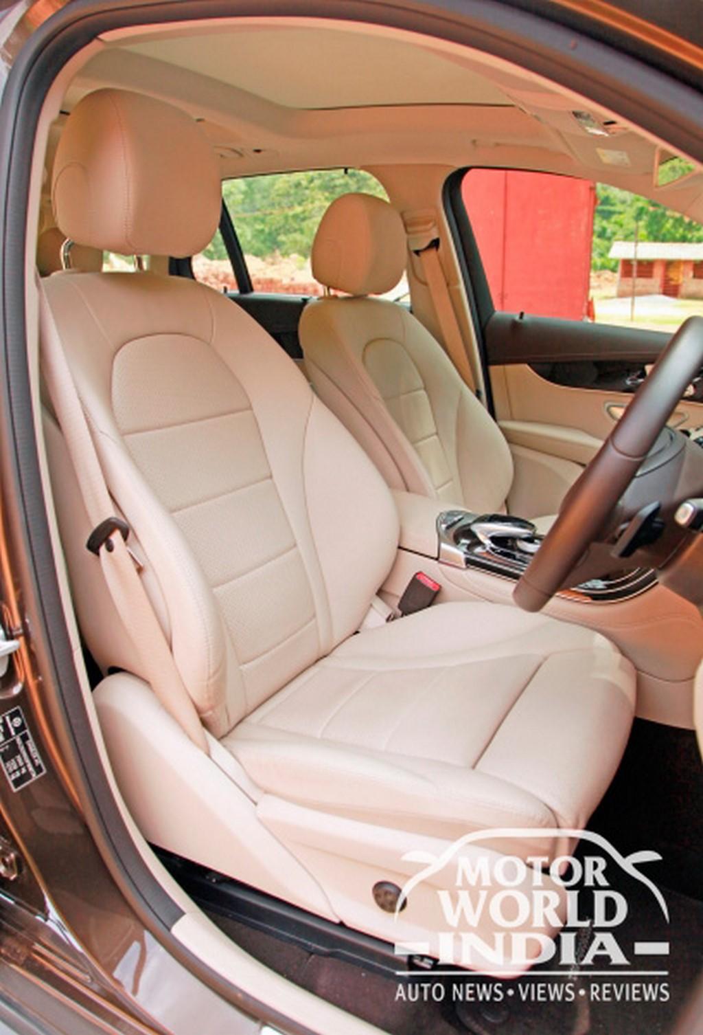 Mercedes-Benz-GLC-Interior-Front-Seat (3)