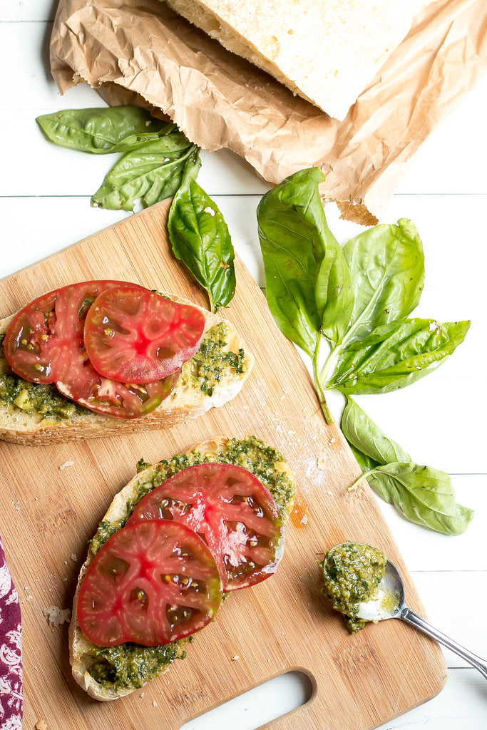 heirloom tomato tartines // handmade pesto