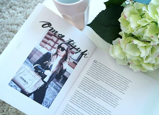 AlexaDagmarBookP8174491,AlexaDagmarKirjaNuorenNaisenOpasP8174529,NuorennaisenopaskirjaalexadagmarP8174545, alexa dagmar, blogger, bloggaaja, kirja, book, nuoren naisen opas, a young woman's guide, fashion, lifestyle, muoti, blogi, oma tie, own way, opas, guide, book, inspiration, inspiration, book tips, kirja vinkit,  alexa dagmar nuoren naisen opas, green hydrangea, vihreä hortensia, kukat, flowers,