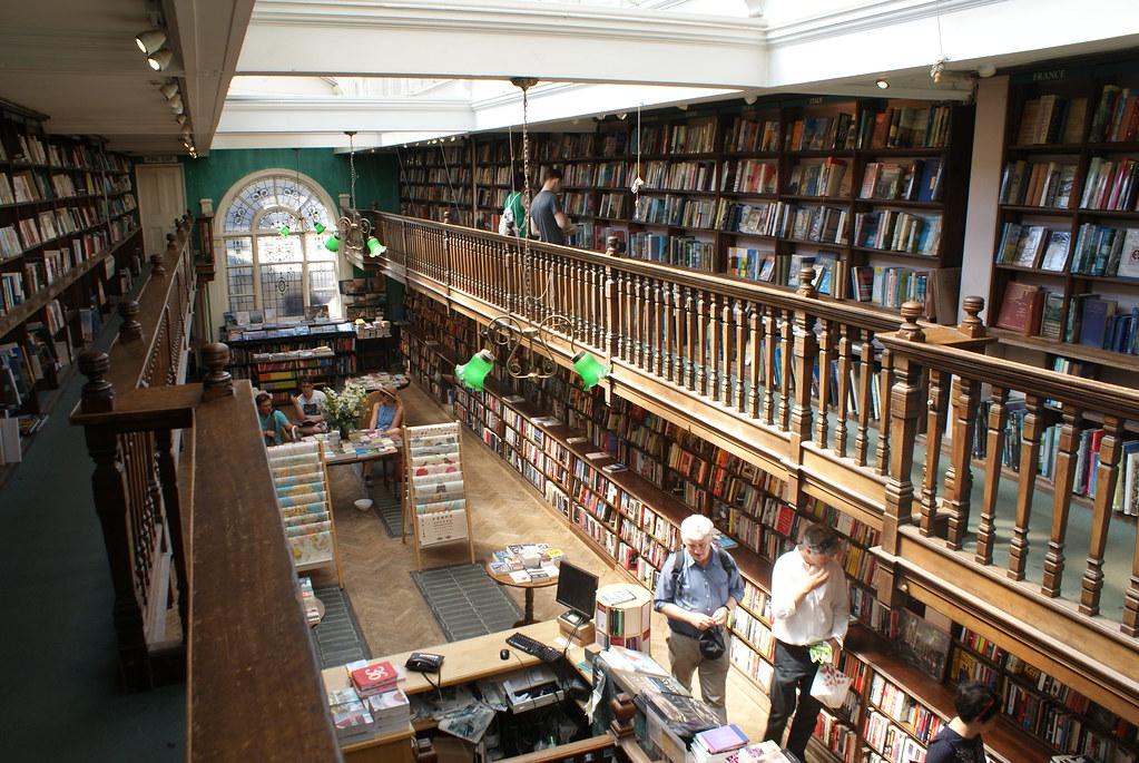 """Daunt Bookshop, la plus belle des librairies """"voyage"""" de Londres"""