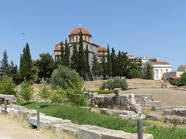 l'église derrière le Céramique
