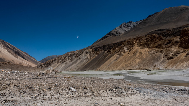 On Pangong Lake road, near Chagar Tso