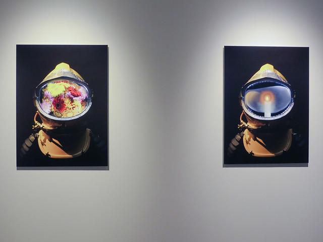 永瀬正敏《ATOM HELMET in the Past and Future》2016 高松市美術館で開催中の「シネマタイズ」展でも出品されているヤノベケンとのコラボレーション作品。高松市美術館では、展覧会期中、館内で林海象監督、永瀬正敏主演のSF短編映画『BOLT』が撮影中である(2016年9月1日現在)。