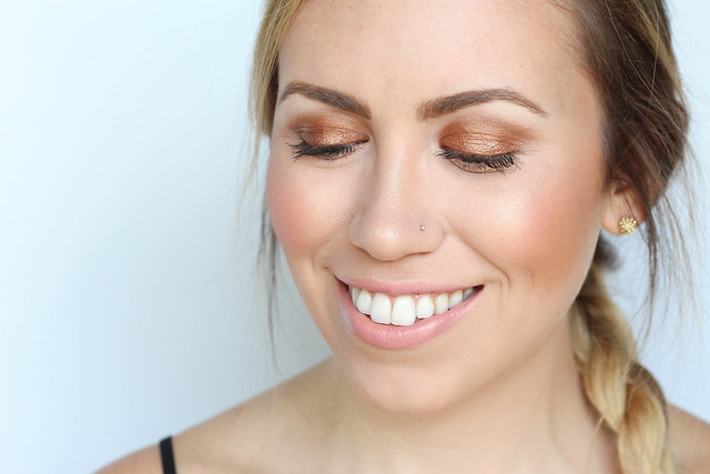 Copper Eye Makeup How to Make Blue Eyes Pop Easy Summer Makeup Tutorial bareMinerals Nude Lipstick Collection Living After Midnite Jackie Giardina Blogger