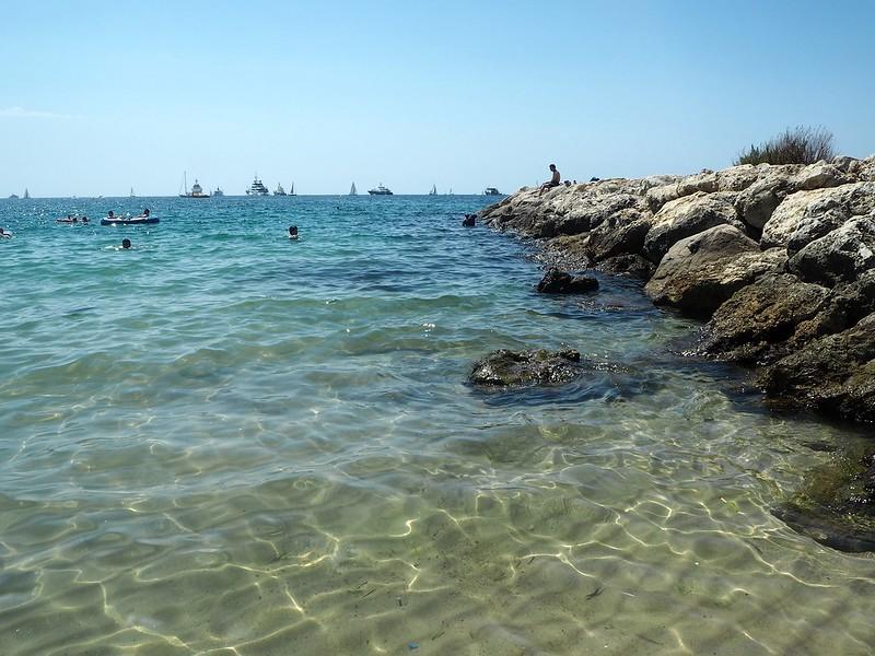 JuanLesPinsProvenceAlpesCoteDazurP7314002, juan les pins, antibes, ranskan riviera, sininen rannikko, ranska, france, cote d azur, south of france, etelä ranska, hiekkaranta, beach, sun, aurinko, loma, holiday, experience, vinkit, inspiration, kokemukset, sand, hiekka, kirkas vesi, travel, matkustus, provence,