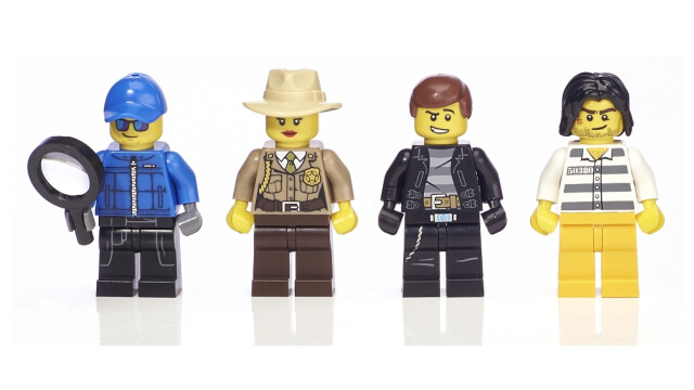 LEGO Minifigure Collection Toys R Us - Cops and Robbers minifigs