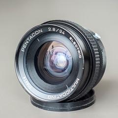 Pentacon 24mm f/2.8