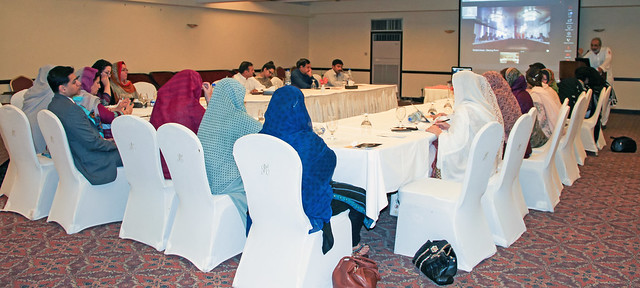 Pakistan-Afghanistan dialogue on women's situation in displacement