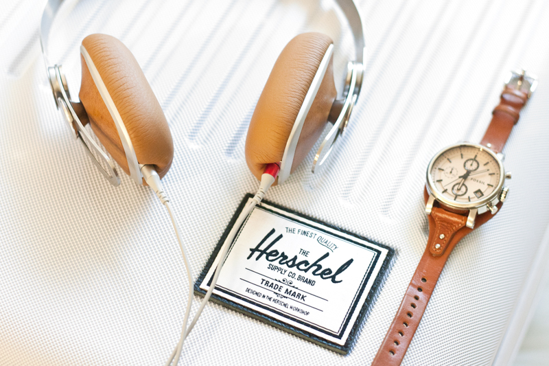 07moshi-headphones-herschel-carryon-fossil-watch-travel-style