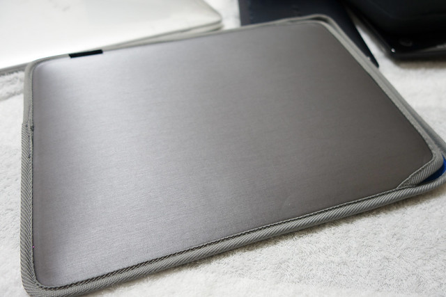 MacBook 12インチ用 スリップインケース グレー SZC-MB2103GY